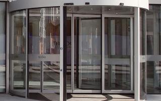 Автоматические двери для магазинов и других нужд : особенности и виды