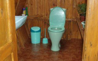 Как построить дачный туалет с унитазом