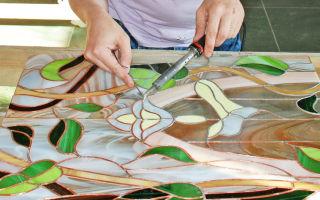 Витражные стекла в межкомнатных дверях: элегантность и практичность в изысканности
