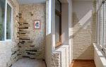 Как проводится укладка ламината на стену: практические советы