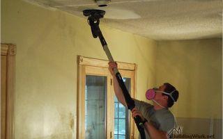Как и чем можно смыть побелку с потолка?